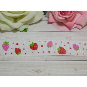 Репсовая лента 25 мм с рисунком Красно-розовая земляника, 10 м белый