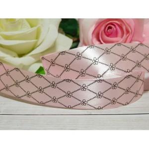 Атласная лента 25 мм с рисунком Ромбы и цветы, 23 м розовый