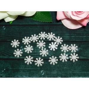 Фигурки из пластика Снежинка 15 мм, 100 шт. белый